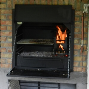 Braai Einbaumodell 800 in Aktion