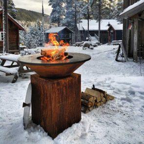 Ofyr Winterromantik mit Feuer Grillen auf der Feuerplatte