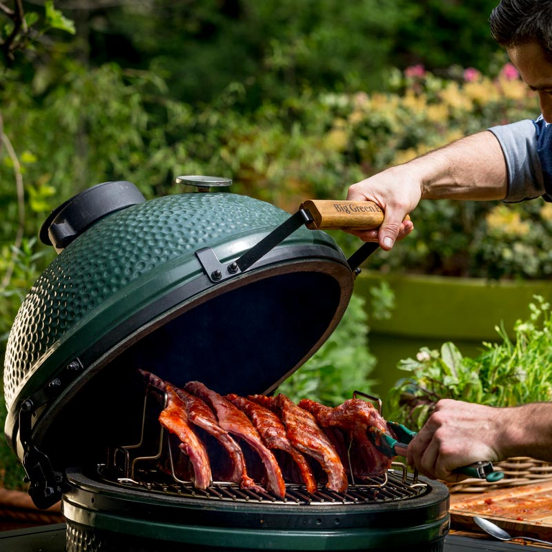 Big Green Egg Large Spare Ribs grillen