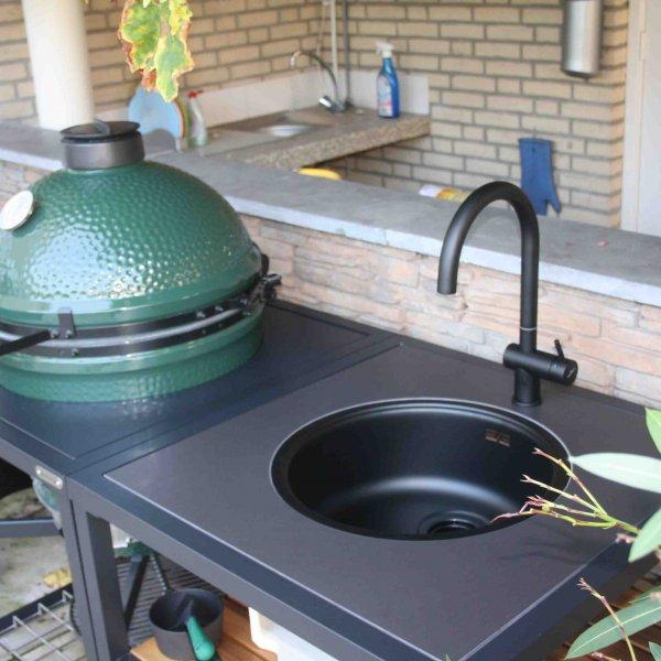 big-green-egg-wasserhahn-schwarz-anthrazit
